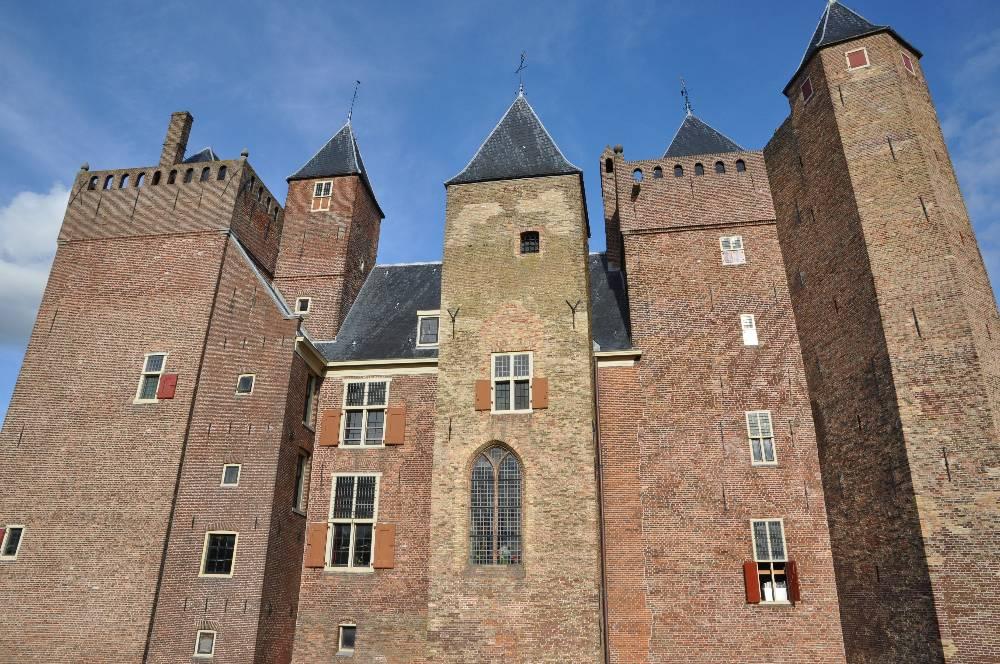 Toren met gevangenis Kasteel Assumburg Heemskerk.